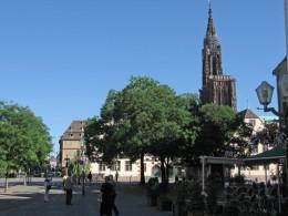 Strassburg Pl. Du Corbeau mit Blick auf das Muenster
