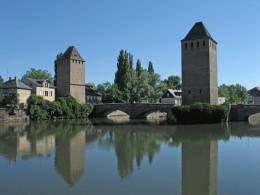 Strassburg Wehrtuerme der Ponts Couvert der bedeckten Bruecken
