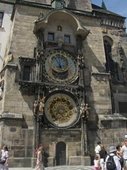 Jahresausflug 2005  Prag  Astronomische Uhr am Altstaedter Rathausturm