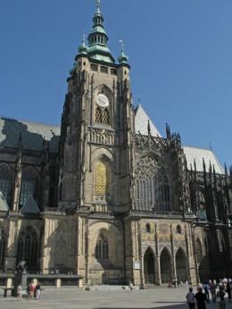 Jahresausflug 2005  Prag  Adalbert Dom mit Goldenes Tor